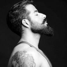 Frisuren für Männer mit Bärten dünne gerade Haare