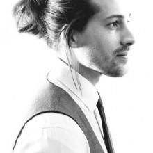 Frisuren für Männer mit dicken langen Haare und Bärte