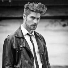 Frisuren für dickes Haar von mittlerer Länge für Männer
