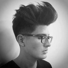 Frisuren mittellang für Männer