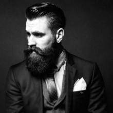 Haarschnitt und BART-Stile für Männer