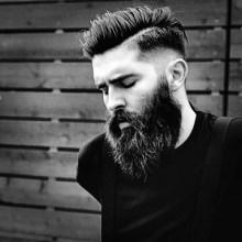 Haarschnitte für Männer mit Bärten