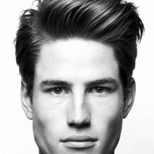 Haarschnitte für Männer mit dicken lockigen Haar