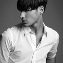 Haarschnitte für glatte Haare Männer mittlerer Länge