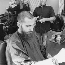 Herren die Haare schneiden, buzz