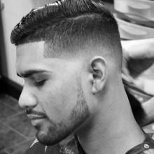 Jungs-Haar-Kamm über fades
