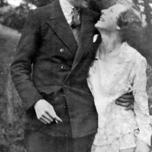 Klassiker der 1930er Jahre Herren Haar von mittlerer Länge, slicked back