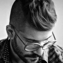 Männchen mit struppigem Haar -