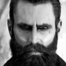Männer mit ölspray Haar zurück