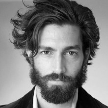 Mann mit struppigem Haar