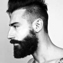 Mittel-undercut-Frisuren für Männer mit Bärten