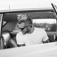 Mode-forward-Herren surfer-Haar-look