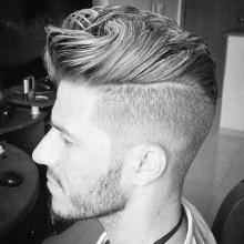 ausgefeilte Jungs moderne Frisuren mit Seitenteil