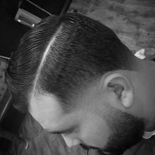 ausgefeilte Kamm über Frisuren für Männer