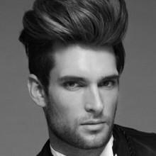 ausgeklügelte lange tolle Haarschnitt gentleman