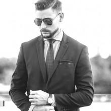 beliebten business-Mann die Haare schneiden