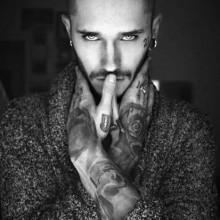 buzz Haare schneiden designs für Männer