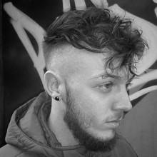 chaotisch Herren medium undercut-Haarschnitte