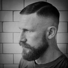 cool-Herren-high-Haut-fade-Haarschnitt -