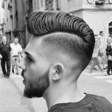 cool dickes Haar von mittlerer Länge, hart, Teil Haarschnitte für Männer