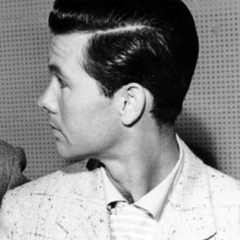 dapper 1950s mens hairstyles parted at the side