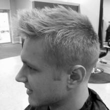 dapper low fade faux hawk-Frisur für Männer