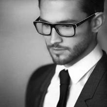 elegante moderne Herren Haare mit Brille