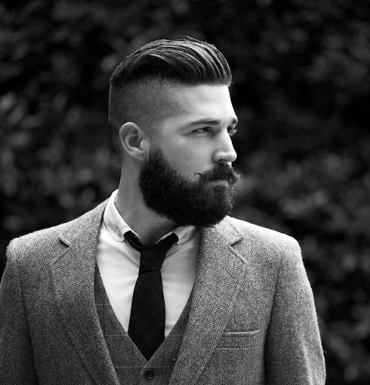 Fade Haarschnitt Mit Bart Für Männer Kunstopde