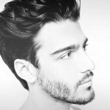 genial Frisuren für gewelltes, mittellanges Haar, Männer