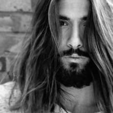 gerade lange Haare Männer