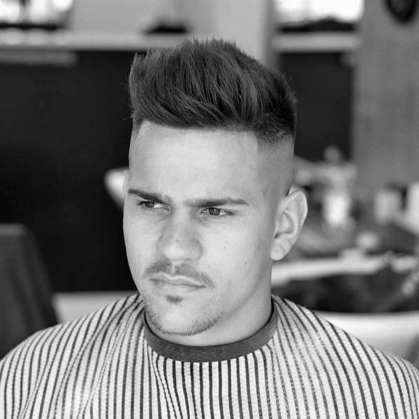 Geschmackvolle Herren Kurze Haarschnitte Für Dünne Haare Hoch Fade