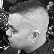 high und tight Haarschnitt styles für Herren Rasiert Seiten
