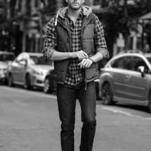 hipster-Frisuren für Männer trennten sich auf der Seite kurz-bis mittelfristig