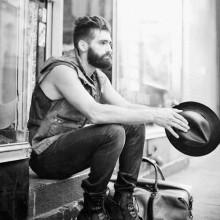 hipster-Haarschnitt für Männer undercut tolle mit taper fade auf Seiten