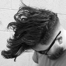 klassische Mittel lang männliche wellige Frisuren