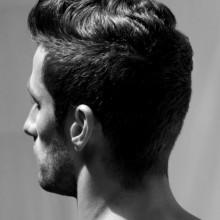 kurze Frisuren dickes welliges Haar für Männer