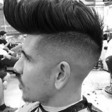 kurze Haare undercut Männer