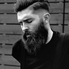 kurze Haarschnitte für Männer mit Bärten