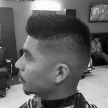 kurzes Länge Herren taper fade haircut