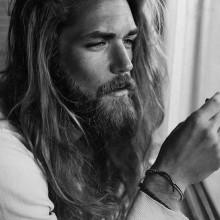 lang Frisuren für Männer mit dicken Haaren