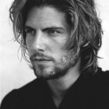 lang Frisuren für Männer mit lockigem Haar