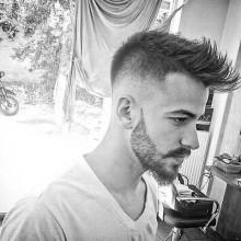 low fade mohawk Haarschnitt für Männer