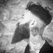 manly hohe fade undercur Frisur für Männer