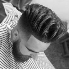 manly mittellange Männer Frisuren mit taper fade auf Seiten