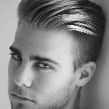 maskuline Frisuren mit rasierten Seiten für Männer