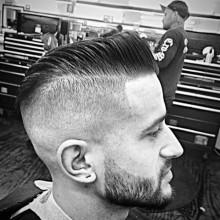 maskulinen Herren-Haar-Haut verblasst
