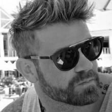 maskulinen kurze Frisuren für Männer mit dicken Haaren