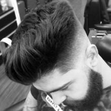 mens Haut-fade-Haarschnitt