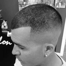 mens Summen geschnitten, schütteres Haar