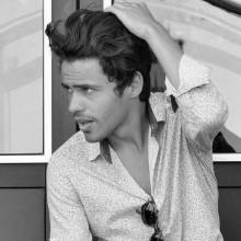 mittlere bis lange Frisuren für Männer mit dicken Haaren
